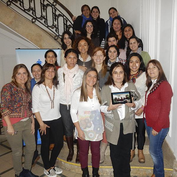 Docentes y alumnas del curso de Gramática del programa de capacitación.